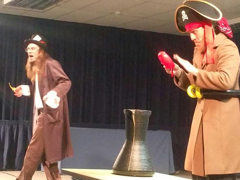 the-wizard-and-the-pirate-02-el-mundo-de-elmer